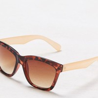 AEO Women's Peachy Tortoise Shell Sunglasses (Torte)