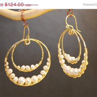 SALE Cosmopolitan 67 Hammered double hoops with ivory pearls