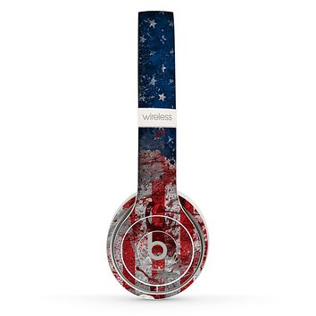 The Grungy American Flag Skin Set for the Beats by Dre Solo 2 Wireless Headphones