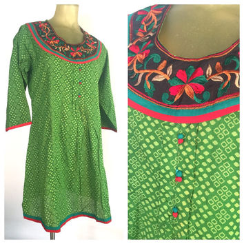 Green Indian Tunic Dress, Embroidered Bib Tunika, Red Embroidery, Bright Green Dress, Bohemian Ethnic Vintage India Boho Dress, Cotton L XL