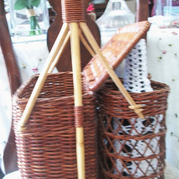 Vintage wicker Picnic basket Wine Carrier For 2 Bottles Chestnut Brown