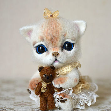 Needle felted kitten with bear. Little felt cat. Sweet animal. Funny toy. Birthday gift.
