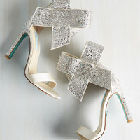 Kick It Up a Posh Heel in Sparkling Champagne | Mod Retro Vintage Heels | ModCloth.com