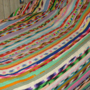 Vintage hand crochet  mod colorful king size bedpread afghan  127 x 88