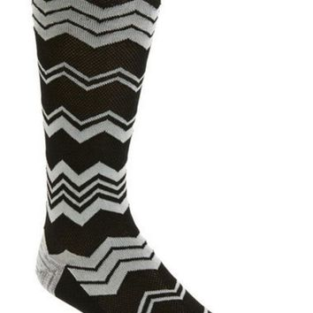 CREYON CHEVRON SOCKS
