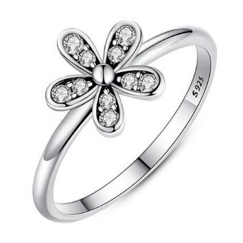 204a3d3c1 Elegant 925 Sterling Silver Dazzling Daisy Flower Ring