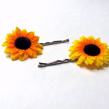 Sunflower hair clip, flower bobby pins, sunflower wedding hair accessories, sunflower wedding , spring flower girl, Bridal flower hair