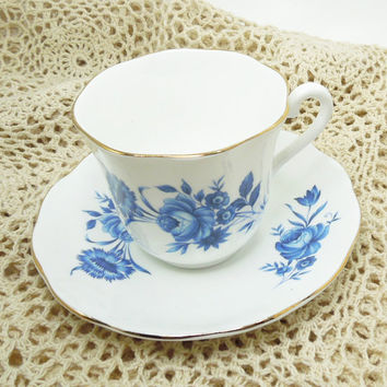 Elizabethan Fine Bone China teacup tea cup and saucer - Blue roses on white porcelain