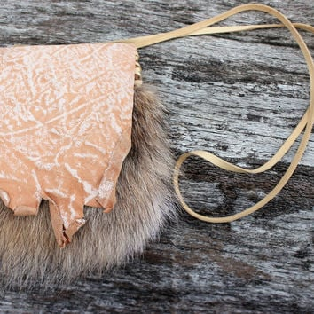 Cream and White Medicine bag with Natural Wolf Fur, Goat Leather Necklace Pouch, Simple Shamanic Journey Bag