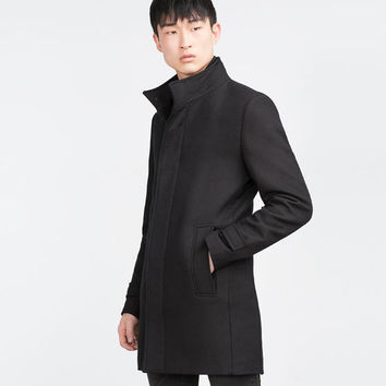 COAT WITH DETACHABLE INTERIOR