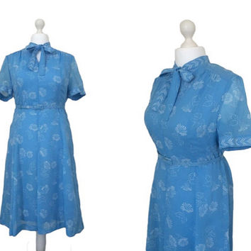 Vintage 1970's Pussy Bow Dress - 70's Day Dress - Powder Blue Secretary Dress (ML)