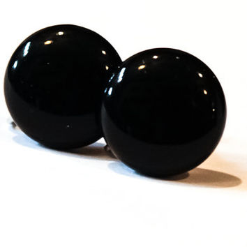 Pair of Black Circle Screw Back Earrings