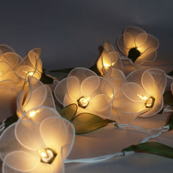20 WHITE FLOWER STRING PARTY,PATIO,FAIRY,DECOR,CHRISTMAS,WEDDING,DECOR LIGHTS