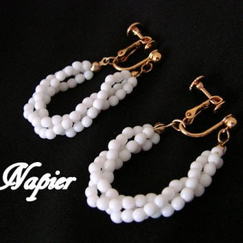 Vintage 1980s Napier White Bead Gold Tone Dangle Earrings * Designer Signed * Clip * Drop Earrings * Pendant Earrings