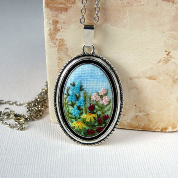 Floral, meadow necklace, Oval pendant, Embroidered jewelry, Embroidered necklace, Hand Embroidery pendant, needle work