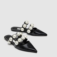 FLAT MULES WITH PEARL BEADS DETAILS