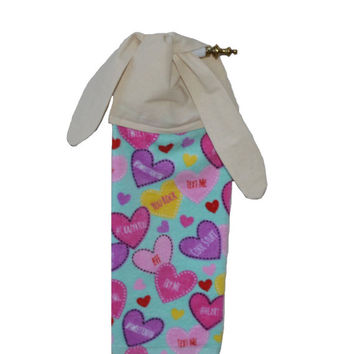 Valentine Towel, Valentine's Day, Kitchen Hand Towel, Home Decor, Tea Towel, Gift for Her, Tie On Towel, Heart Decor, Linen, Teacher Gift