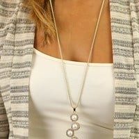 In A Row Necklace in Pearl