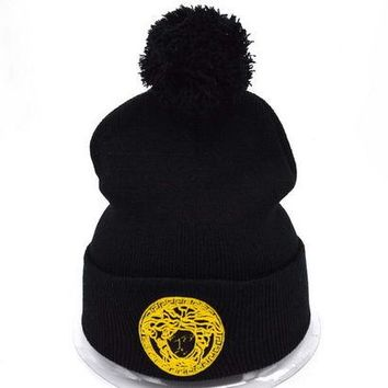 ONETOW Perfect Versace Women Men Embroidery Beanies Winter Knit Hat Cap