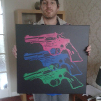 Warhol pop guns large canvas painting,pop art,revolvers,stencils,spray paints,neon,pink,green,blue,Andy Warhol,wall art,interior design,star