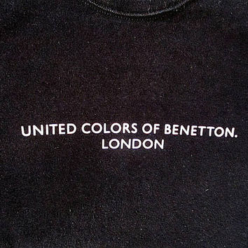 Wms Vintage 90s UNITED COLORS of BENETTON London Minimalist Grunge Logo Babydoll Tee Sz S
