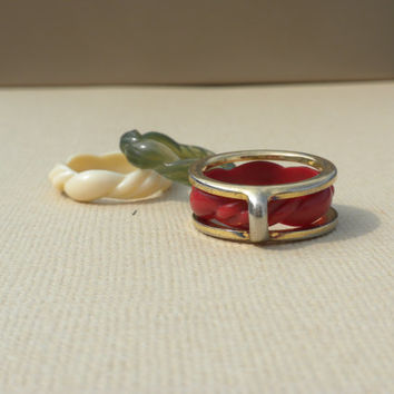1970s Avon Convertible Ring Color Go Round Four Piece Set Size Small Red White Green Gold Tone Chrome Metal Interchangeable Kitsch Jewelry