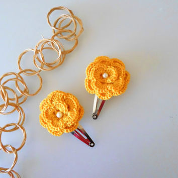 Snap hair clip with crochet mustard yellow flower. Crochet hair clip. Set of 2