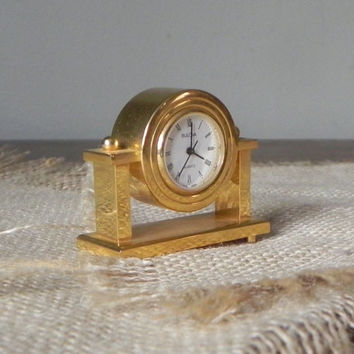 Vintage Bulova boutique clock collectible miniature B0505 Nanette
