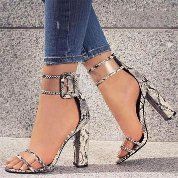 Popular fashion casual with high heel buckle large size women's shoes