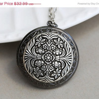 ON SALE Silver Filigree Flower Locket, Silver Locket Necklace,Wedding,Wedding,­Bridal Jewelry,Bridesmaids Gift