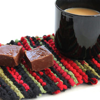 Christmas Snack Mat Crimson Red Green Black Knitted Mug Rug Upcycled Tshirts -US Shipping Included