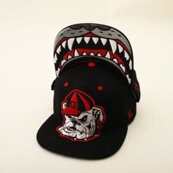 DCCKG8Q NCAA Georgia Bulldogs Zephyr Harry Dog Black Snapback Hat