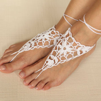 Crochet white barefoot sandals,Nude shoes,Foot jewelry,Beach wear Bridal anklet,BOHO Steampunk, Victorian Lace, anklet