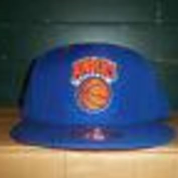 NEW YORK KNICKS (MITCHELL & NESS) BLUE NBA FITTED HAT SHIPPING!