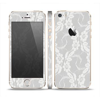 The White Floral Lace Skin Set for the Apple iPhone 5s