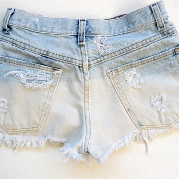 Extremly ripped high waisted shorts