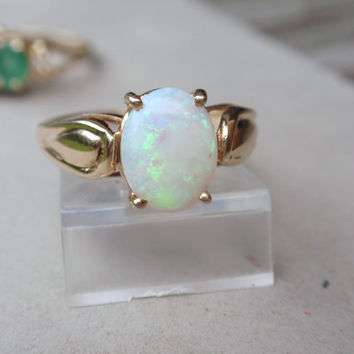 Opal Ring 14k vintage yellow gold October birthstone oval cabochon