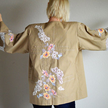 80s Vintage Kimono Jacket Tan with Crochet Lace Emroidery Flowers Beads Sz Medium