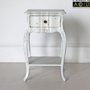 Ripple Bedside Table With One Drawer