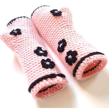 Crochet Wrist Warmers Pink With Black Flowers Fingerless Gloves S - M