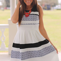 Classic Lines Dress, Blk/White