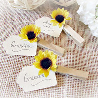 Sunflower Wedding Place Card Holder, Rustic Wooden Place Card Holder, Rustic Sunflower Clothes-Pin Favor, Summer Fall Autumn Wedding Favor