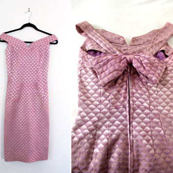 Vintage '60s Sweetheart Neckline Pencil Skirt Cocktail Dress with Matching Belt - Off the Shoulder Geometric Print - Size Small