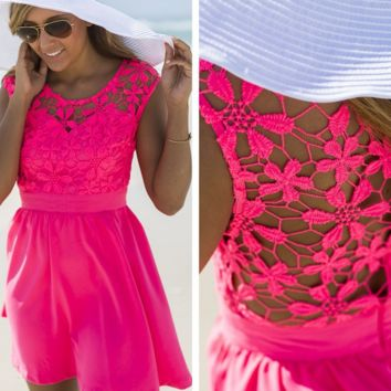 Sleeveless lace dress sexy beach in summer