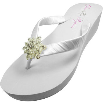 Wedding flip flops, Bridesmaid Flip Flops Rhinestone Flower Bling, Flower Girl White Bride Wedding Ribbon, Great for brides, bridesmaids