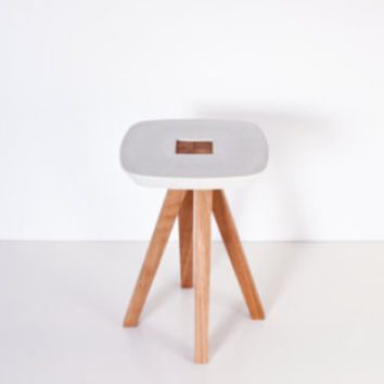 Stool, side table, pedestal table - white concrete cast and oiled solid wood - interlocking assembly without tools