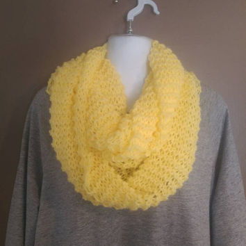 Honeybee Yellow Infinity Scarf Knitted Womens Warm Chunky Infinity Scarf for Winter