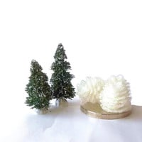 White Pinecones/ Christmas Tree Ornaments/ Vintage Tree Light Covers/ Sparkle Glitter/ Cottage Chic/ Home Decor