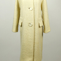 60s coat / vintage 1960s mod coat / fur collar / cream coat / wool coat / tweed coat / Mad Men coat / size L XL