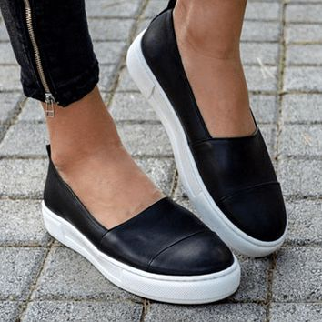Summer Leather Round Close Toe Flats